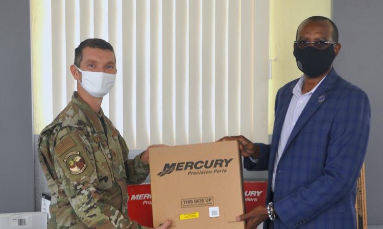 EE. UU. dona USD 40 000 en repuestos y equipamiento al Sistema de Seguridad Regional