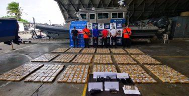 Marinha da Colômbia intercepta mais de meia tonelada de cocaína no Pacífico