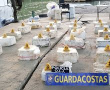 Costa Rica confisca mais de uma tonelada métrica de cocaína no Caribe