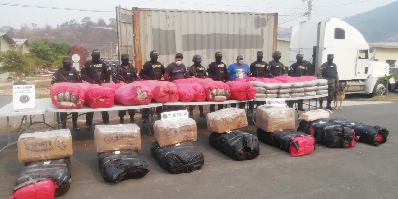 Fuerzas del orden hondureñas dan golpe al narcotráfico en medio de la pandemia