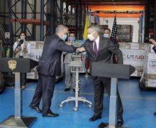 Estados Unidos doam respiradores para a Colômbia combater a COVID-19