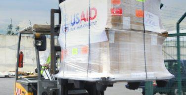 EE. UU. envía respiradores para salvar vidas en Ecuador, por la crisis de COVID-19
