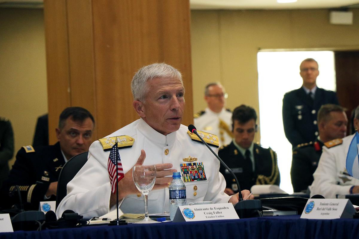Líderes de SOUTHCOM y de defensa sudamericanos se reúnen virtualmente para hablar sobre asociaciones durante la pandemia