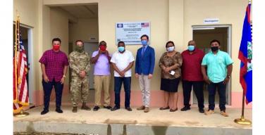 El Gobierno de los EE. UU. entrega aula escolar en San Isidro, Belice, al Ministerio de Educación