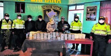 Policía Nacional de Perú destruye laboratorios de drogas