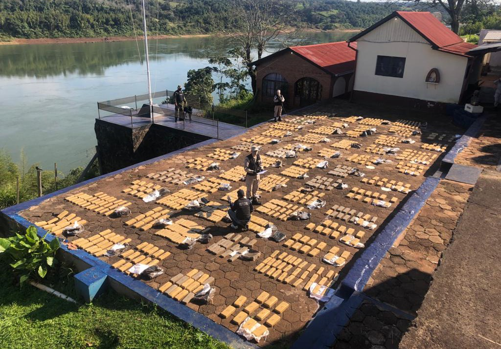 Argentine Naval Prefecture Seizes More than 8 Tons of Marijuana