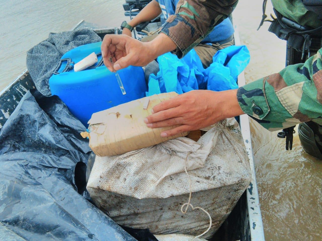 Peruvian Navy Seizes More Than 1 Ton of Marijuana