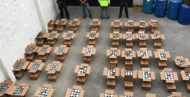 Policía del Ecuador decomisa 1,5 toneladas de cocaína ocultas en latas de atún