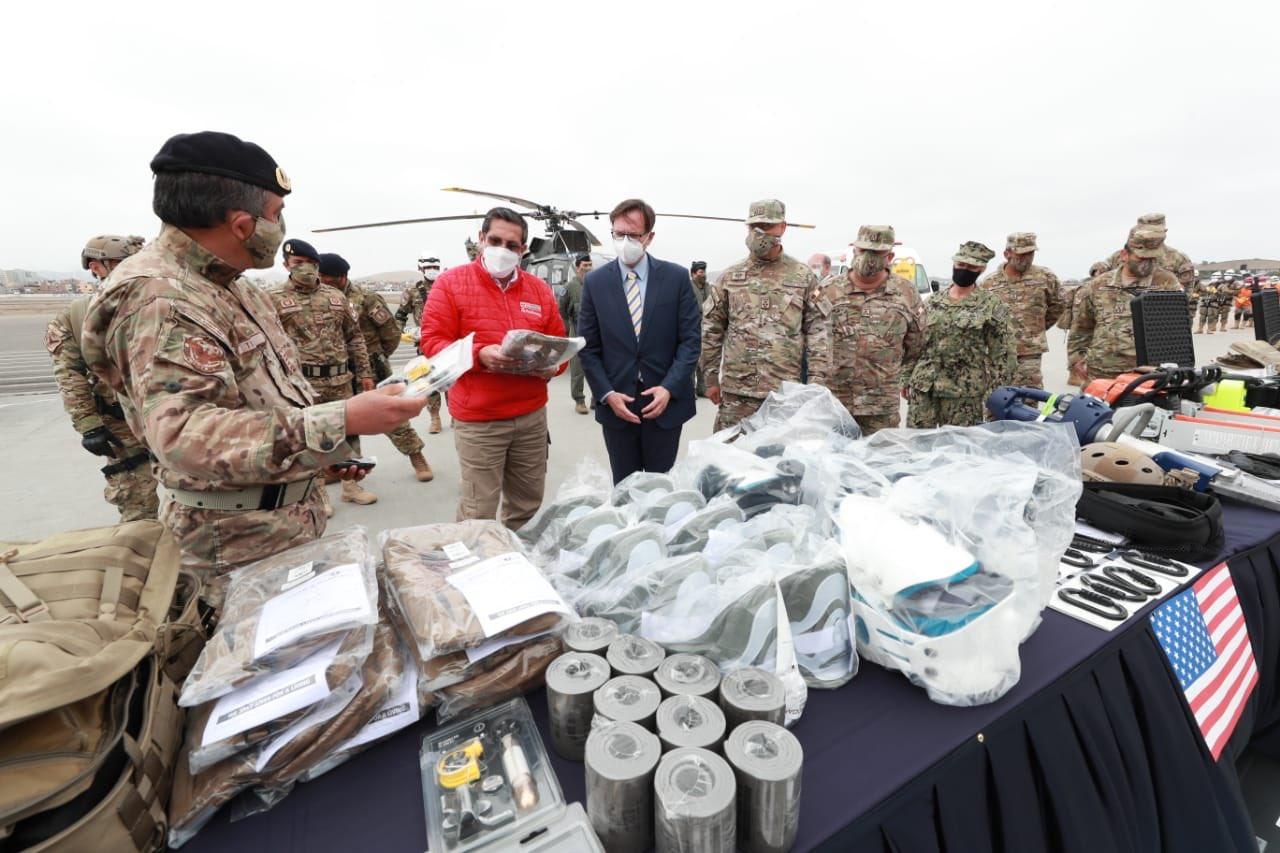 Estados Unidos doam equipamentos para busca e resgate à Força Aérea do Peru