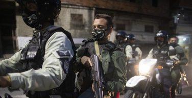 Jornalistas e médicos são alvos de Maduro, afirma novo relatório