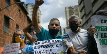 Venezuelans Protest for Teachers and Basic Services