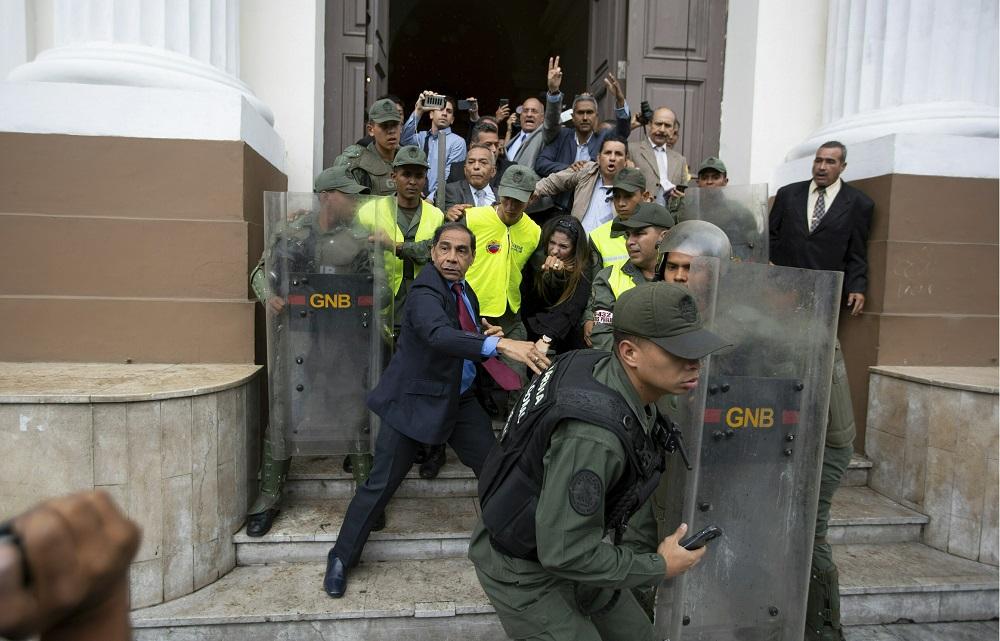 Crise venezuelana ameaça as democracias da região