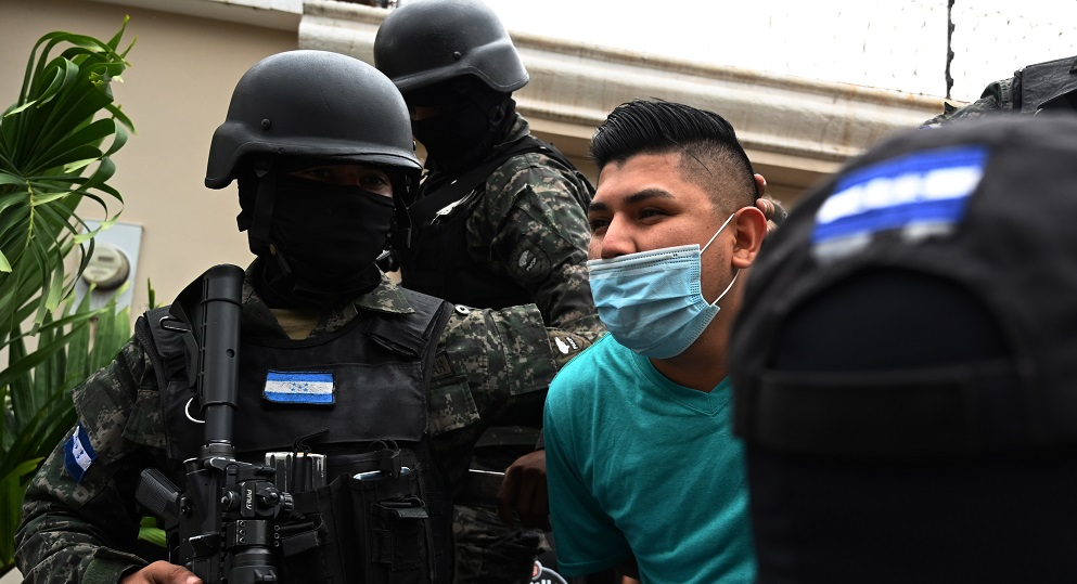 Arrestan a más de 700 miembros de agrupaciones criminales transnacionales en Centroamérica, en operación apoyada por los EE. UU.