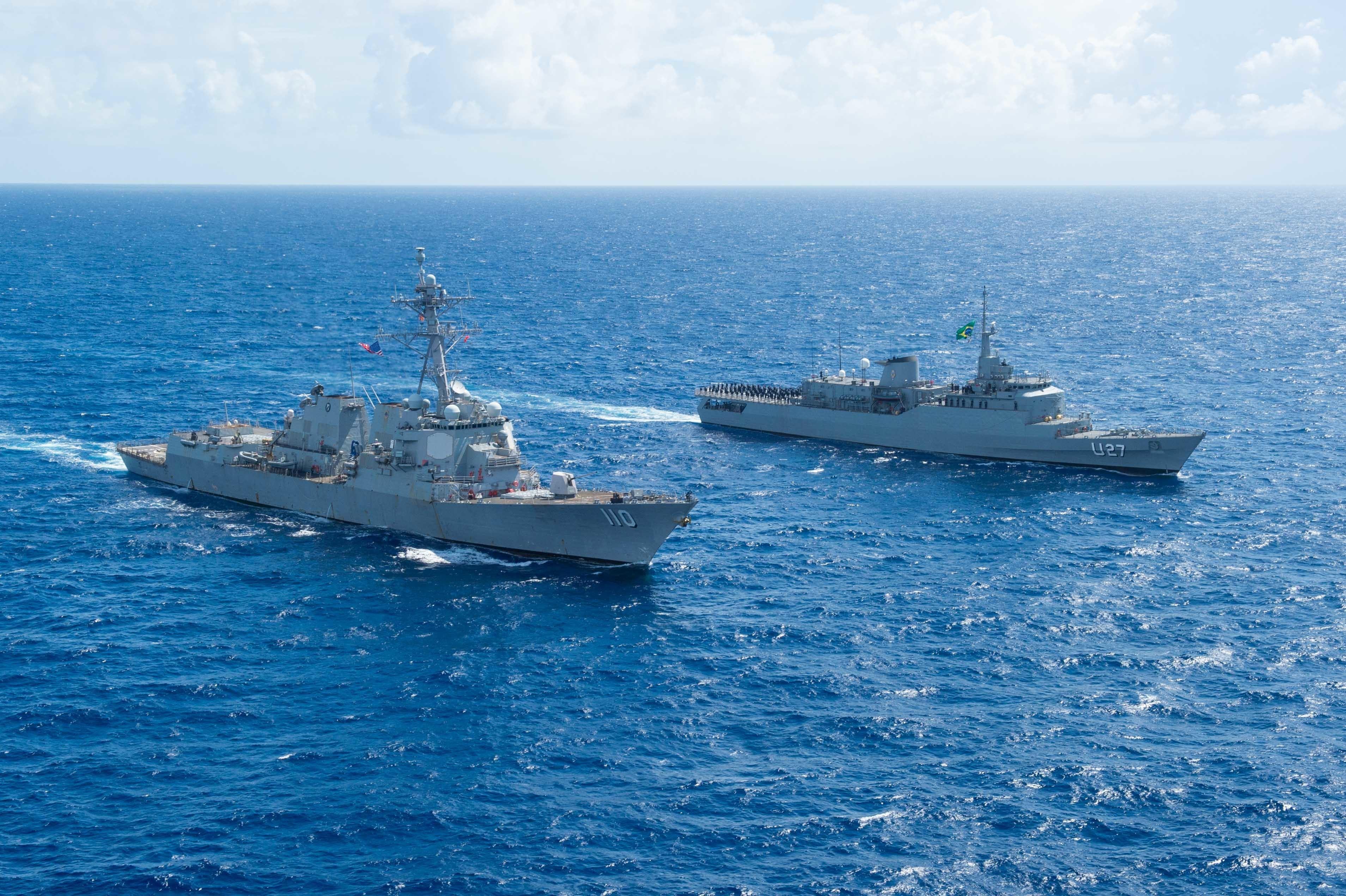 Marina de Brasil realiza ejercicio PASSEX y otras actividades con la Marina de los EE. UU.