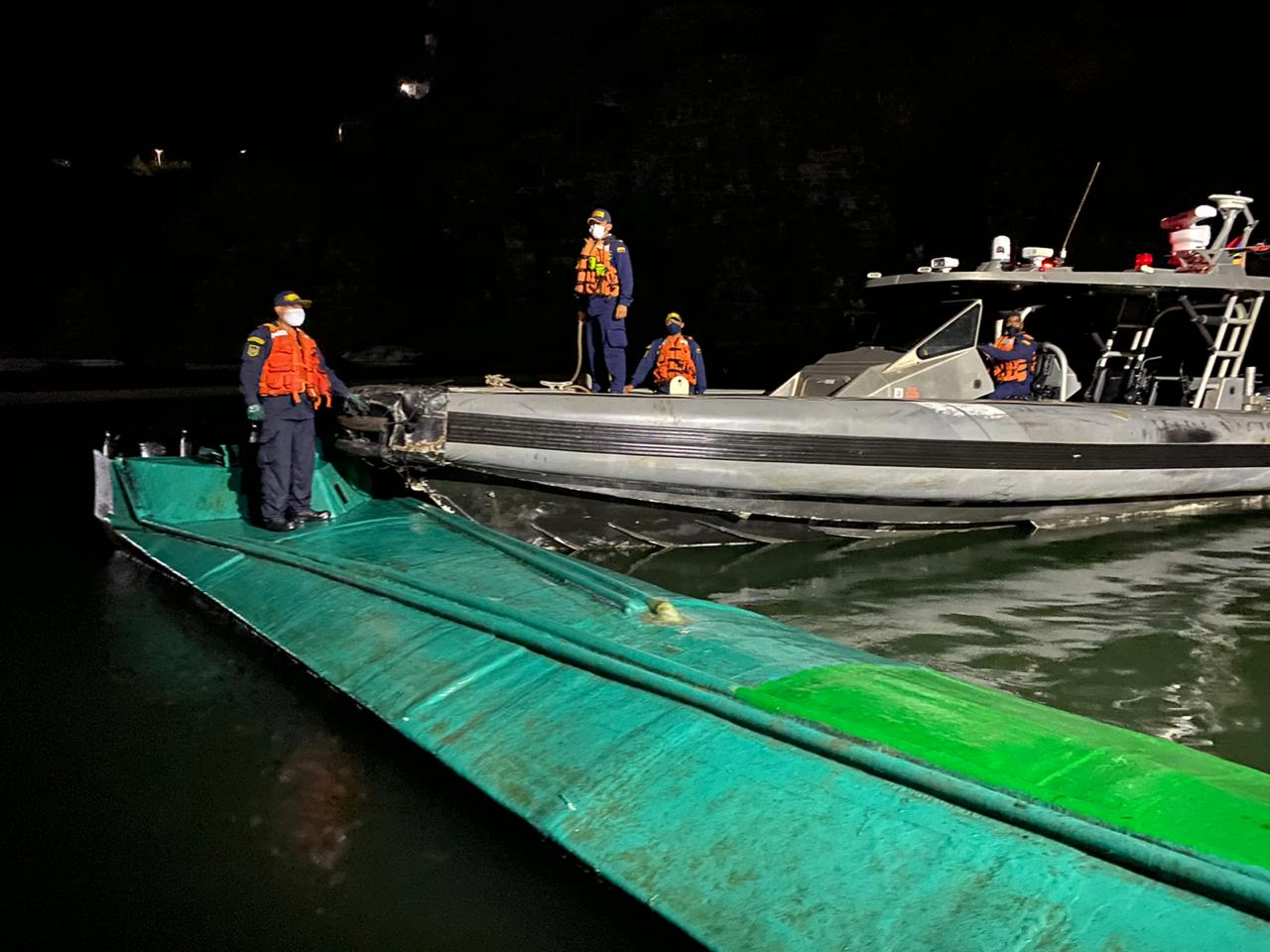 Colombian Navy Intercepts Semisubmersible with 2 Tons of Cocaine