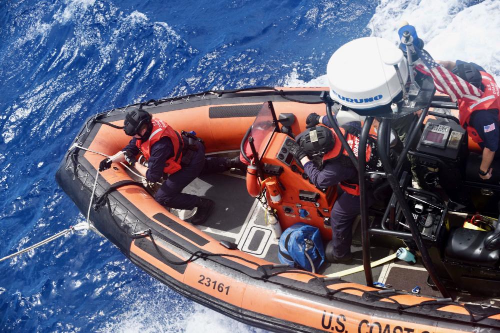 El buque USCGC Stone de la Guardia Costera de los EE. UU. visita Brasil en misión multilateral, para luchar contra la pesca ilegal