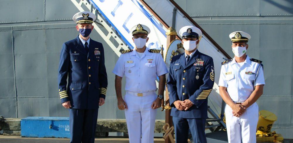 Guarda Costeira dos EUA e Marinha do Brasil assumem compromissos regionais para fortalecer parceria