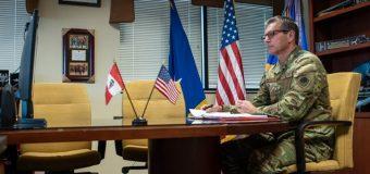 Comandante da 12ª Força Aérea do Comando Sul dos EUA se reúne com o comandante-geral da FAP
