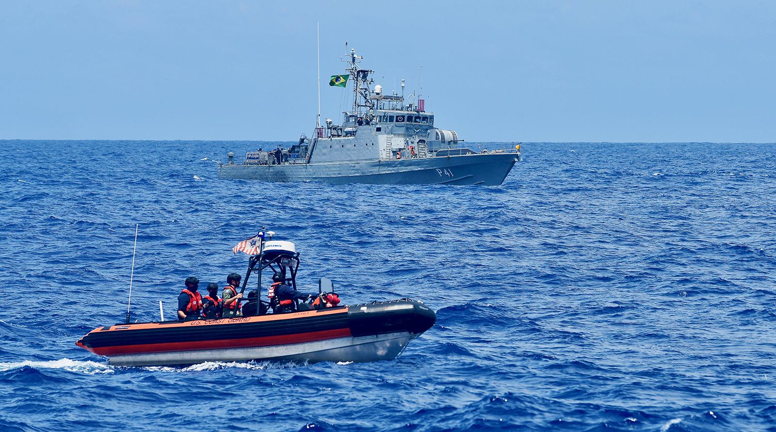 Guardia Costera de los EE. UU. se asocia con Sudamérica para combatir la pesca ilegal