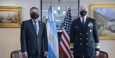 Almirante Craig S. Faller visita Argentina y fortalece la cooperación bilateral