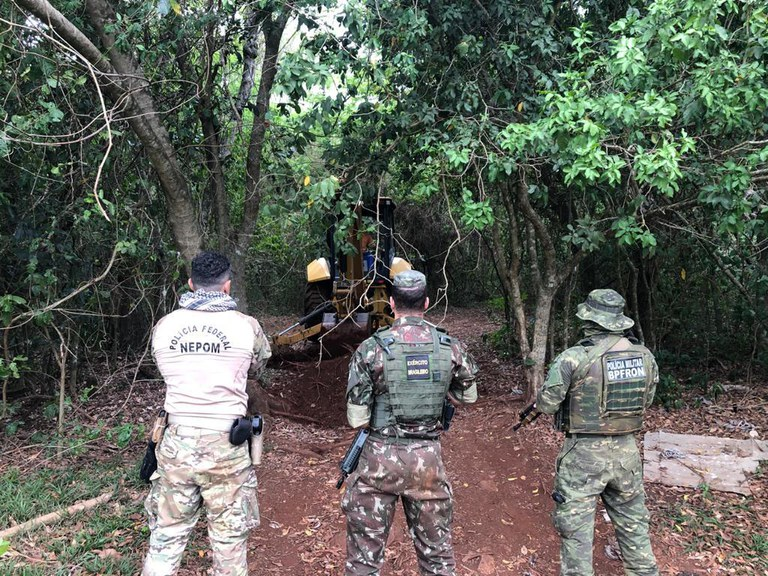 Brazilian Army Destroys 41 Clandestine Ports Criminals Used on Itaipu Lake