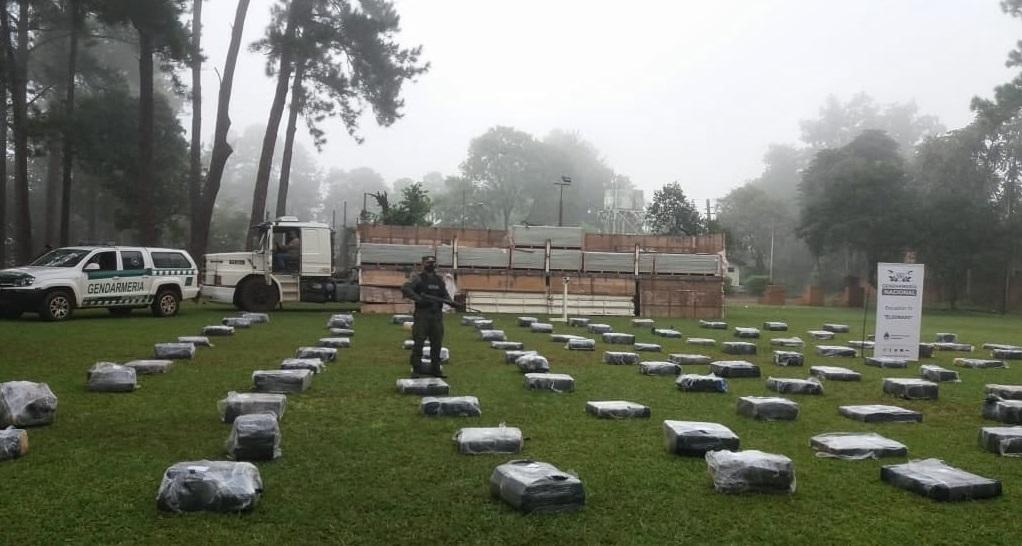 Argentine Gendarmerie Seizes More than 6 Tons of Marijuana
