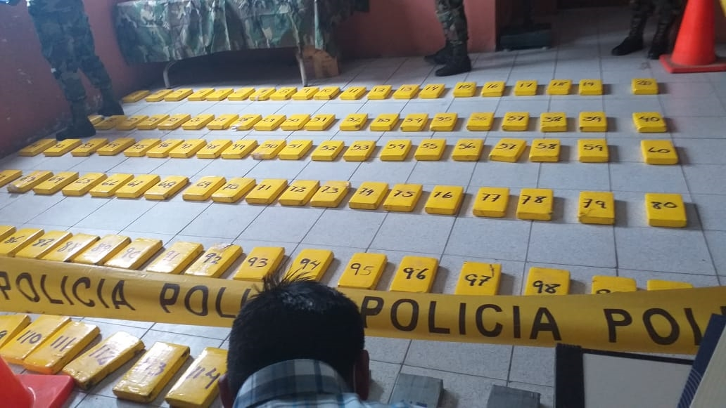 Bolivia: Agents Destroy Mega Lab that Produced 100 Kg of Cocaine a Day