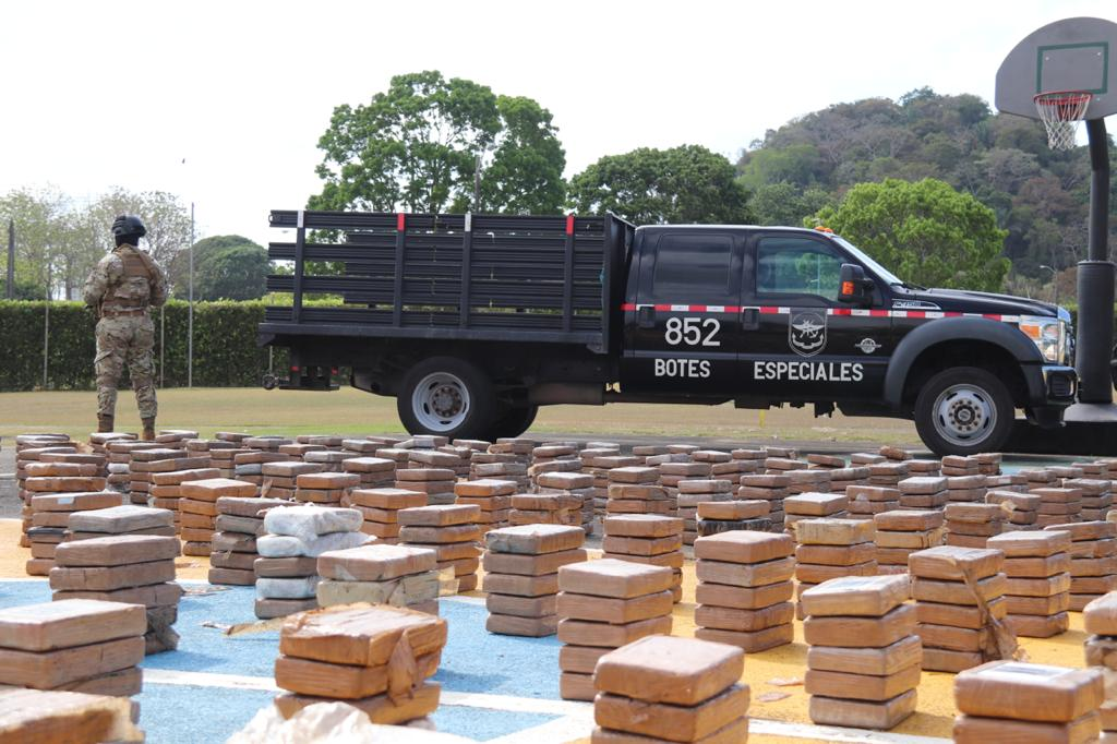 Panamá decomisa más de 20 toneladas de drogas en dos meses