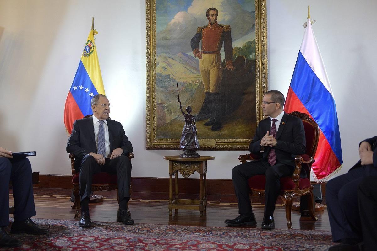 Rússia reafirma seu apoio à Venezuela com assinatura de acordos