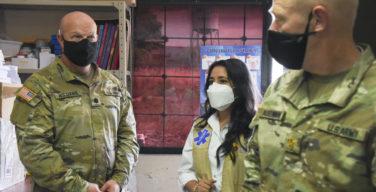 JTF-Bravo doa fumigadores para combater a dengue em La Paz, Honduras