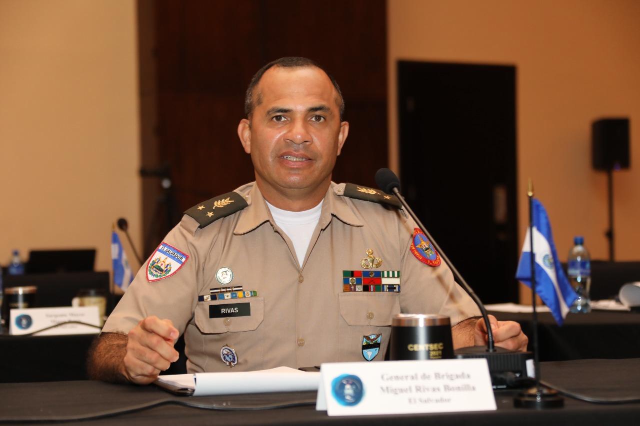 Fuerzas Militares de El Salvador coordinan acciones para enfrentar al narcotráfico