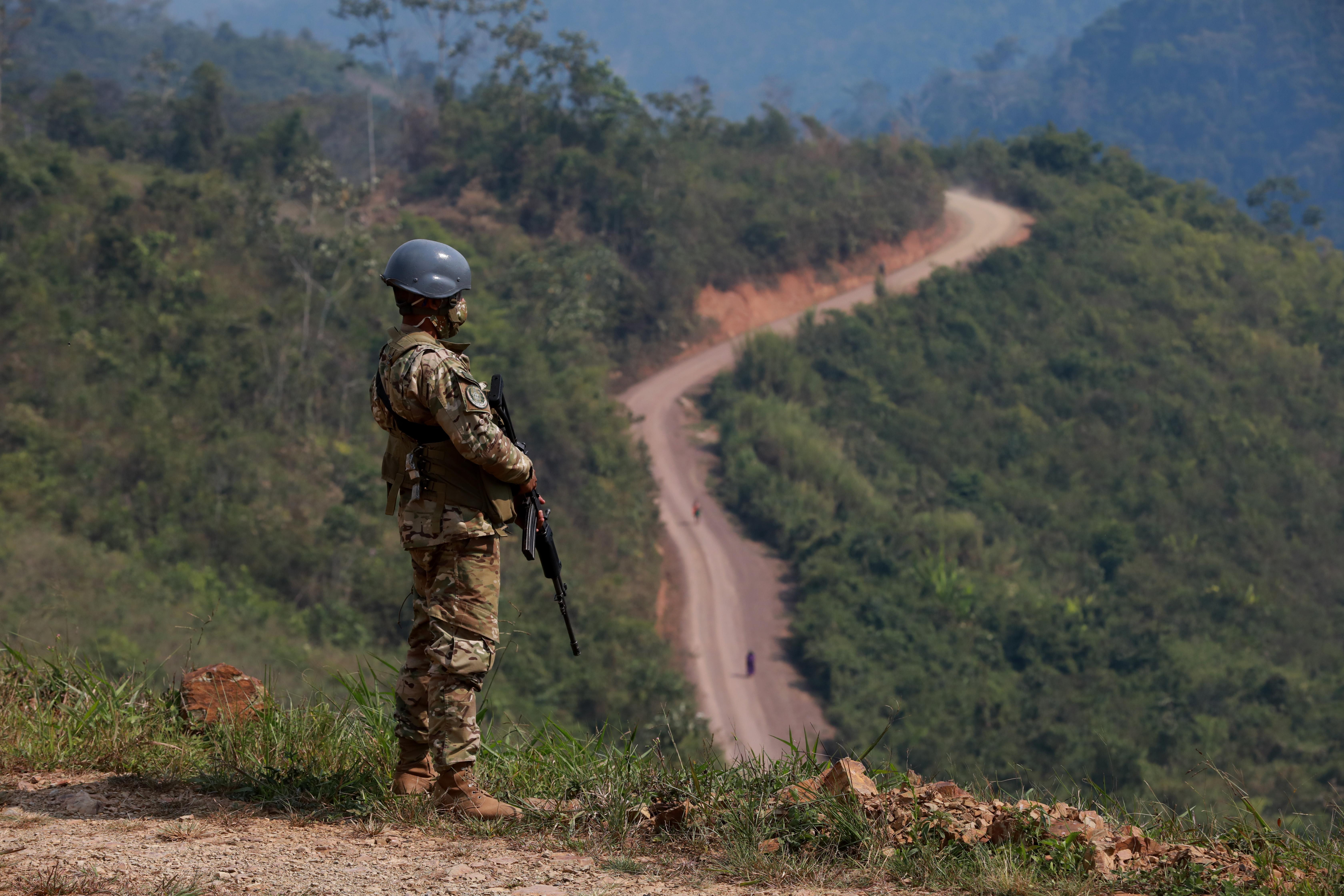 Perú destruye pozas de maceración y campamentos terroristas