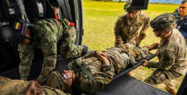 Ejército Sur de los EE. UU. desarrolla ensayos de evacuación médica con médicos de combate colombianos