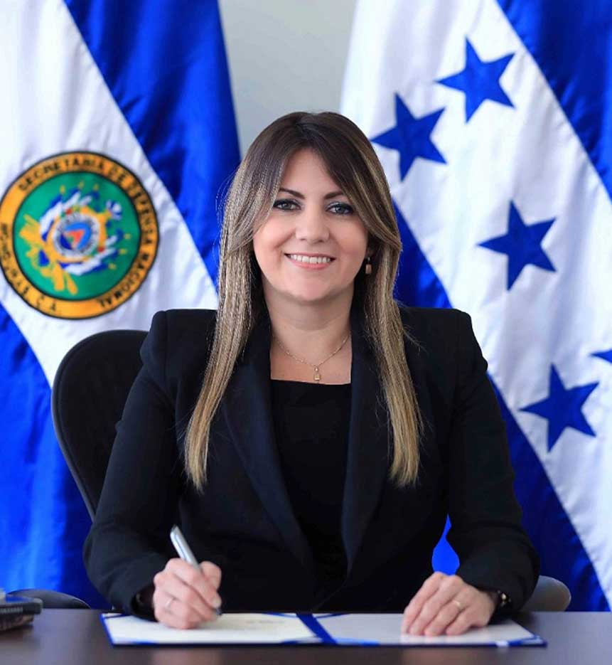 Women Break Paradigms at the Honduran Defense Ministry