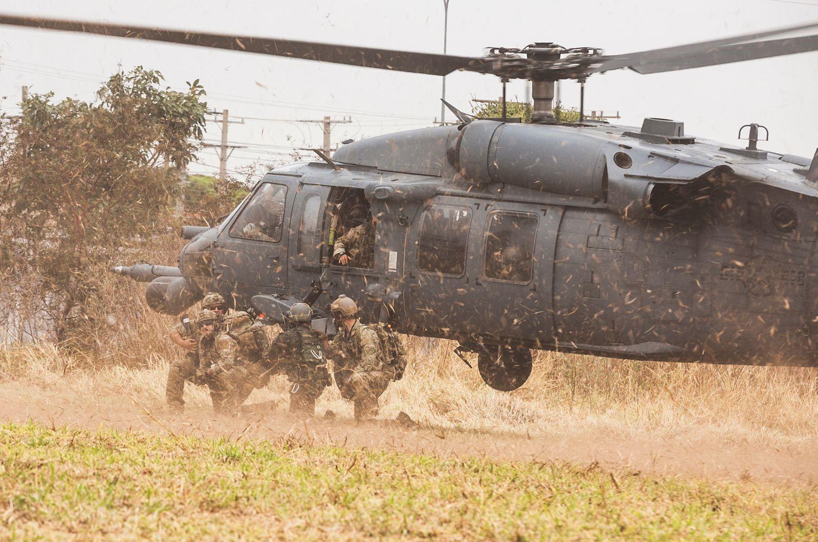 Aeronaves de EE. UU. participan en ejercicio operacional en Brasil