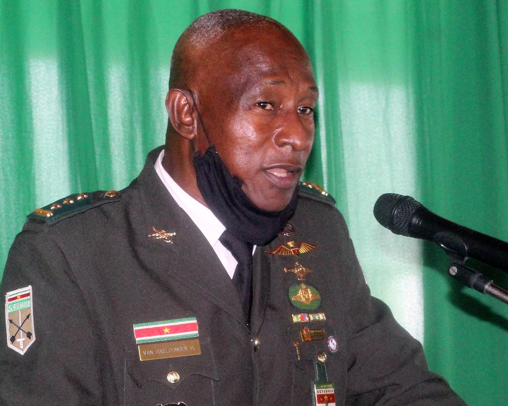 Comandante do Exército do Suriname aborda desafios regionais em conferência de Defesa