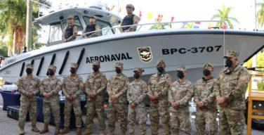 EUA doam ao Panamá um bote de busca e 15 veículos