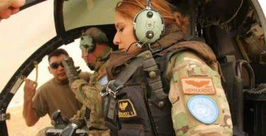 Mulheres pilotos salvadorenhas se destacam em missões de paz