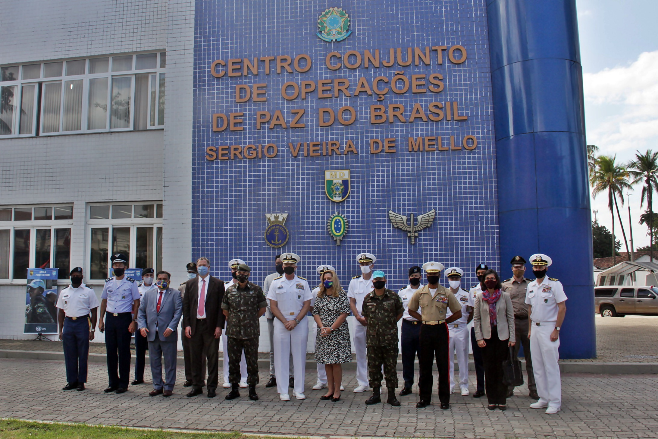 US Southern Command Commander Visits Brazil's Peace Operations Joint Training Center