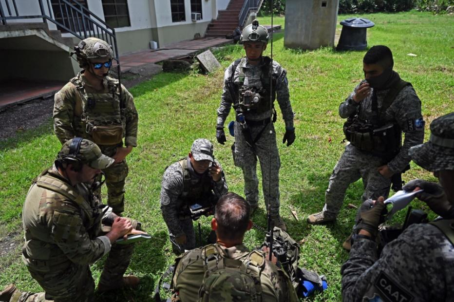 U.S. Air Force tactical air control party airmen assigned to the 14th Air Support Operations Squadron (ASOS) train with Colombian Air Force Aerial Special Operations Group (GROEA, in Spanish) air and terminal attack controllers during Exercise Relámpago VI near Palenquero Air Base, Colombia, July 13, 2021. Relámpago VI is a combined U.S. Southern Command exercise that focuses on training techniques, tactics, and procedures, and strengthening interoperability with partner nations, under NATO standards. (Photo: U.S. Air Force Technical Sergeant Matthew Lotz)