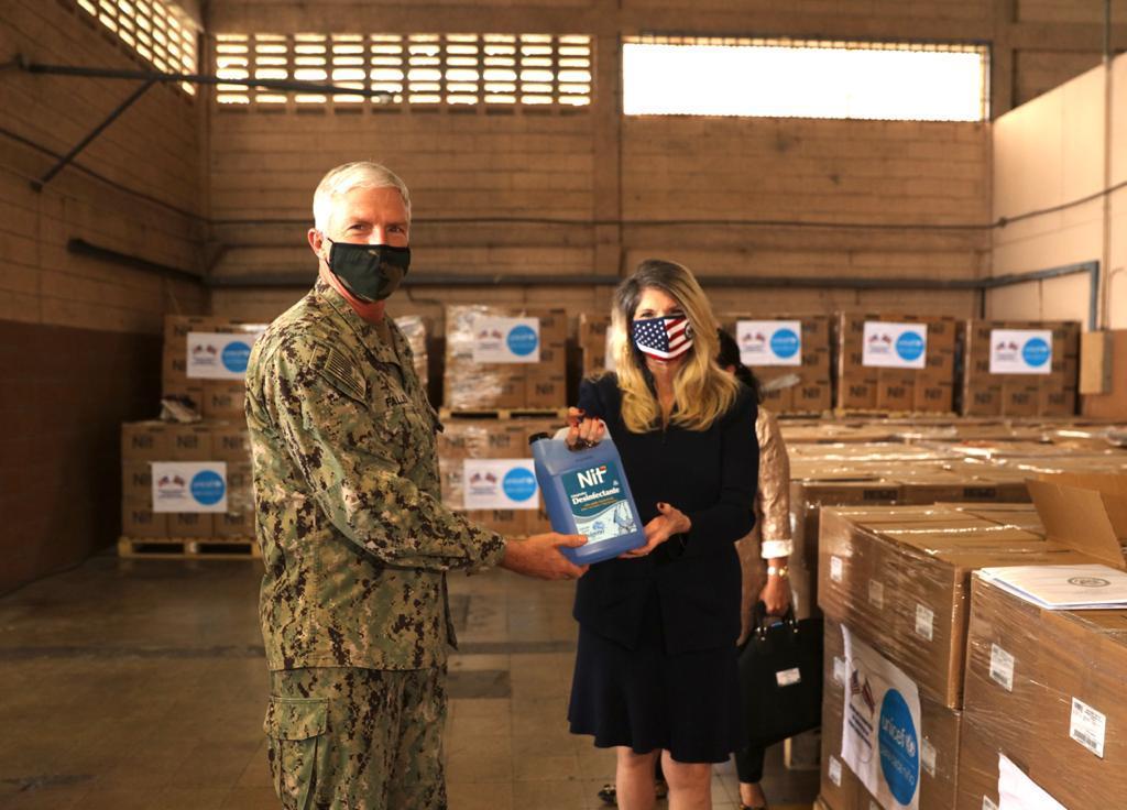 La donación de equipo en tiempos de pandemia, por parte de varias agencias del Gobierno de los Estados Unidos al Ministerio de Educación Pública costarricense, demuestra cuánto valoramos nuestra relación y colaboración de larga data con Costa Rica.  Octubre 23, 2020. (Foto: SOUTHCOM, página de Twitter)