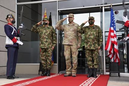 """Major General Daniel Walrath, U.S. Army South commanding general, meets with Major General Eduardo E. Zapateiro Altamiranda, Colombian Army commander, on October 5, 2020, in Bogotá, Colombia. """"His visit strengthens the ties of cooperation and brotherhood between both institutions, strengthening the partnership based on interoperability and training,"""" said Maj. Gen. Zapateiro. U.S. Army South engagements in the region reflect the U.S. enduring promise of friendship, partnership, and solidarity with its partners. (Photo: U.S. Army Sergeant Ashley Dotson)"""