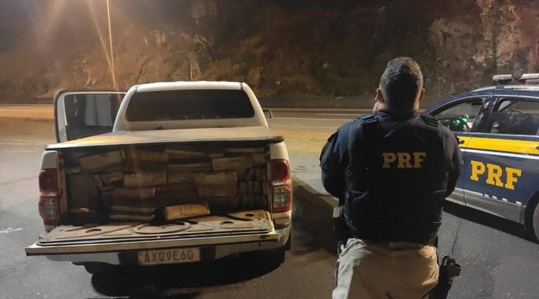 Federal Highway Police (PRF, in Portuguese) seized approximately 1.2 tons of marijuana from a truck at dawn on February 28, 2020, in Sete Lagoas (Minas Gerais). (Photo: Federal Highway Police)
