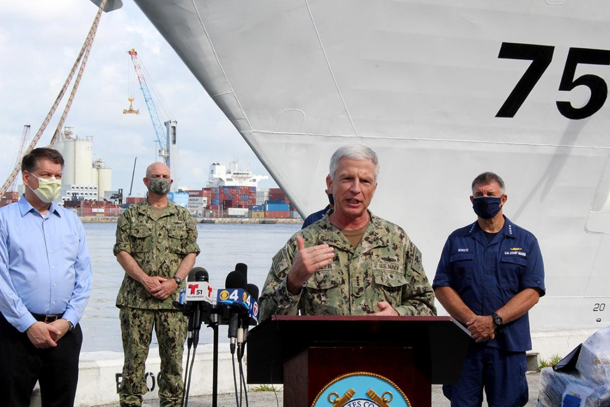U.S. Navy Admiral Craig S. Faller, commander of U.S. Southern Command, speaks to the crowd gathered at the bow of U.S. Coast Guard Cutter James at Port Everglades, Florida, June 9, 2020. (Photo: Steven McLoud/Diálogo)