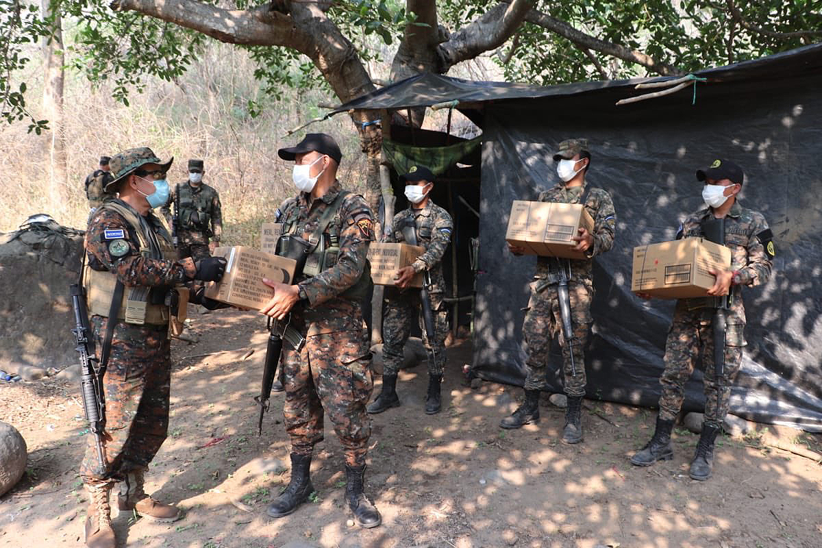 Salvadoran troops are issued MREs and other essentials during the COVID-19 pandemic. (Photo: El Salvador Ministry of Defense)